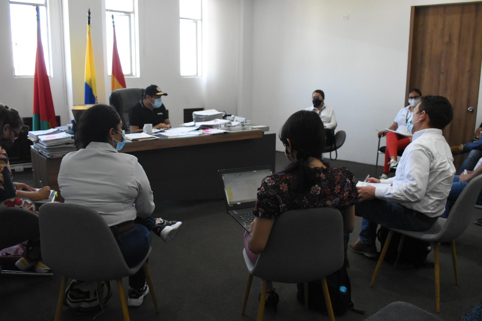 Photo of Alcalde de Yopal sostuvo mesa de dialogo con voceros de Ecopetrol, buscando el beneficio de la comunidad