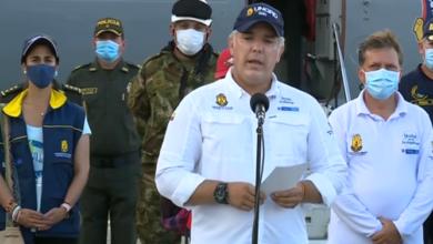 Photo of Por nueva cepa de covid-19, Colombia suspende vuelos desde y hacia el Reino Unido