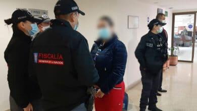 Photo of Bogotá: capturan funcionaria de Salud por presunta corrupción