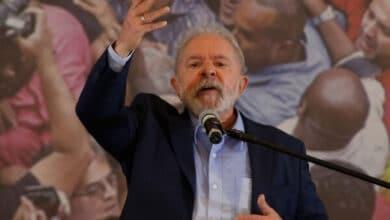 Photo of Lula arremete contra Bolsonaro y busca alianzas para el 2022