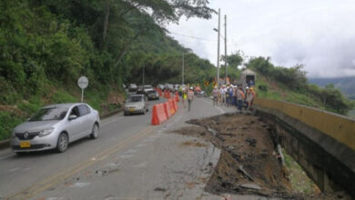 Photo of Robaron viajeros de 25 vehículos en vías de Santa Fe (Antioquia)