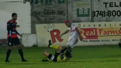 Photo of Futbolista es detenido en Brasil tras noquear a árbitro